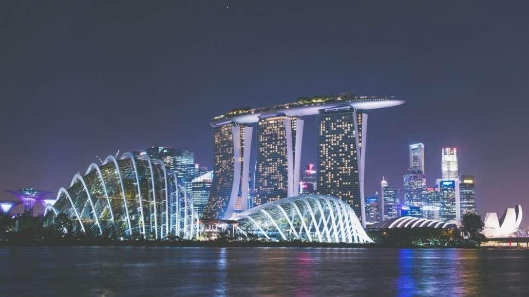 9eb0f0ac4 Singapore è una città-stato di 5,6 milioni di abitanti, tutti concentrati  su un'isola di 602 km2, la punta più a sud della penisola malese.